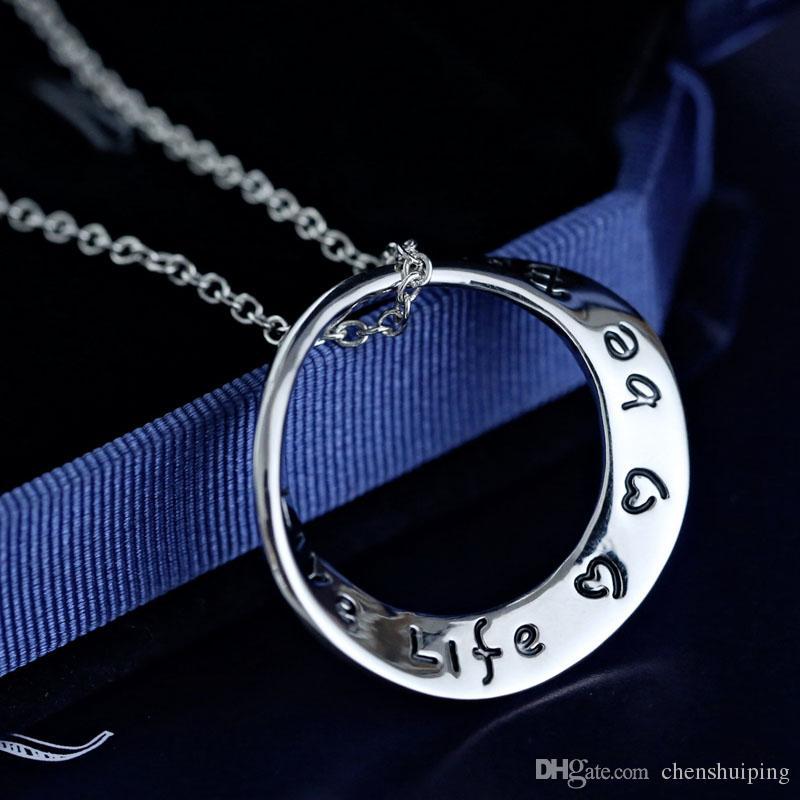 heißes Verkauf Weihnachtstagesgeschenkleben für immer in meiner Herz-Gedächtnis-Halsketten-Alphabet-Buchstabe bezaubert hängende Halskette