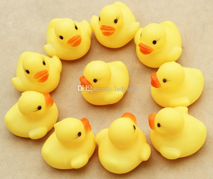 4000pcs/lot Baby Bath Water Toy toys Sounds Mini Yellow Rubber Ducks Kids Bathe Children Swiming Beach Gifts