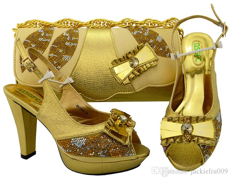 bombas mayoría de las mujeres verdes populares con diamantes de imitación y cristal grande pajarita diseño del talón 11CM zapatos africanos coincidir con el juego del bolso para el vestido MM1048