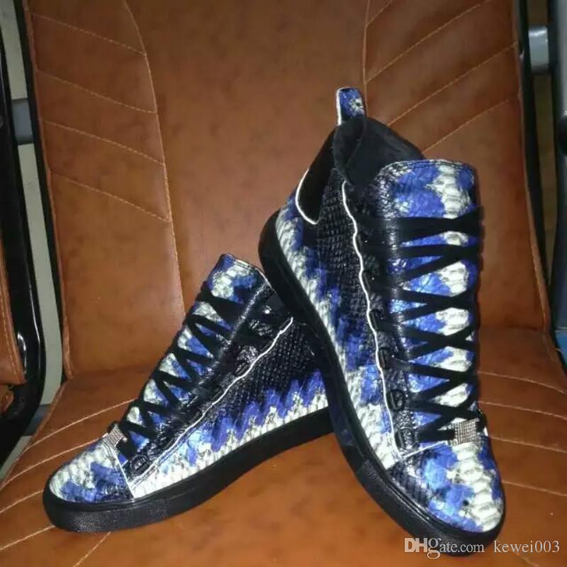 43dc0624ee Compre Calçados Casuais Masculinos Europeu Couro Serpentina Tri Cor  Opcional 38 45 Sapatos Masculinos Grandes Sapatos Planos Factory Outlet De  Kewei003