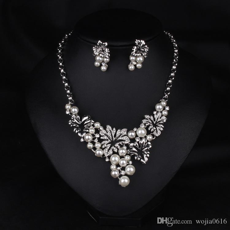 Nytt guld, imitation rhodium pläterad blomma design stud örhängen och hänge halsband 2016 pärla smycken set halsband och örhängen n519