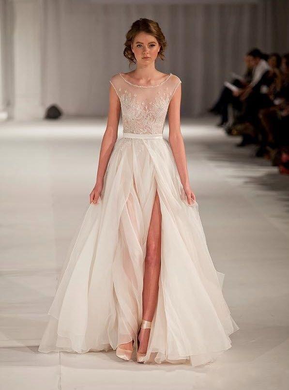 Blanc robes de soirée pure Split côté élégante robe de bal festonnée Illusion Décolleté Perles appliques en mousseline de soie personnalisé Made Cheap demoiselle d'honneur