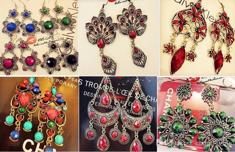 Mezcla al azar 100 estilo 100 Par / lote Vintage Plata Tibetana / Bronce Resina Joya Pendientes de Moda pendientes al por mayor Nueva joyería de moda
