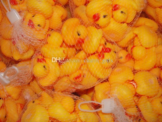 Горячая продажа 20 шт. / лот 4 x 4 см симпатичные Baby Girl Boy ванна классические игрушки резиновые гонки пискливый уток желтый