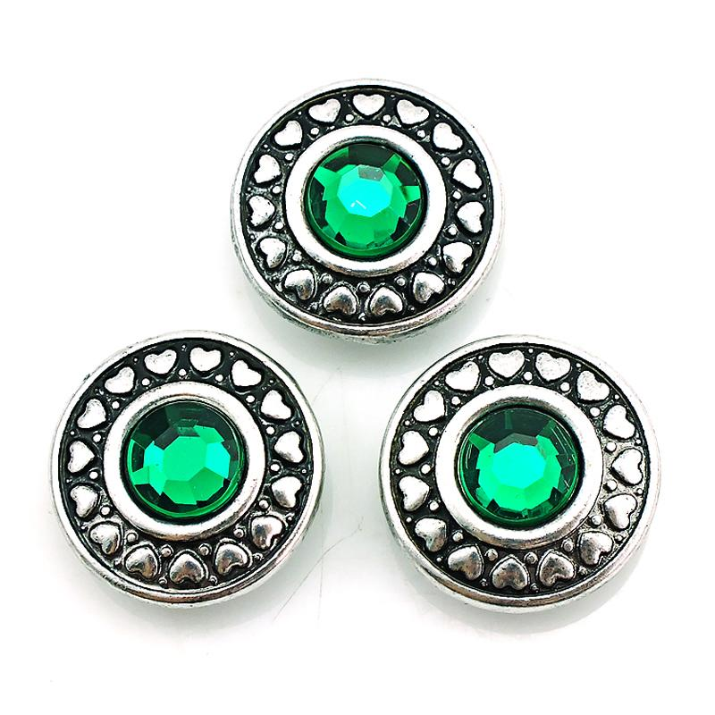Fashion 18mm Snap Buttons Charms Green Plastics Crystal Heart Alloy Clasps Interchangeable DIY Noosa Bracelets Jewelry Accessories NKC0058