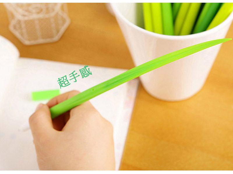 Novità Penne a foglia d'erba Cancelleria creativa coreana Penne a sfera a base d'erba Penne a sfera Pooleaf Piccola penne a lama d'erba fresca Spedizione gratuita