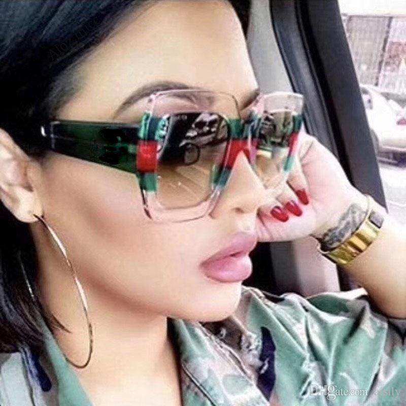 45f7a1f195997 Compre 2019 Marca De Luxo Itália Oversized Quadrado Óculos De Sol Das  Mulheres Designer De Moda Retro Big Frame Óculos De Sol Feminino Rosa Verde  Oculos ...