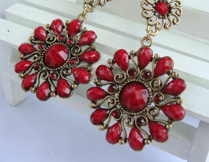 Gelegentliche Mischung 10 Art / Weinlese-tibetanisches Silber / Bronze Harz-Edelsteintropfen Ohrringe baumeln Ohrringe