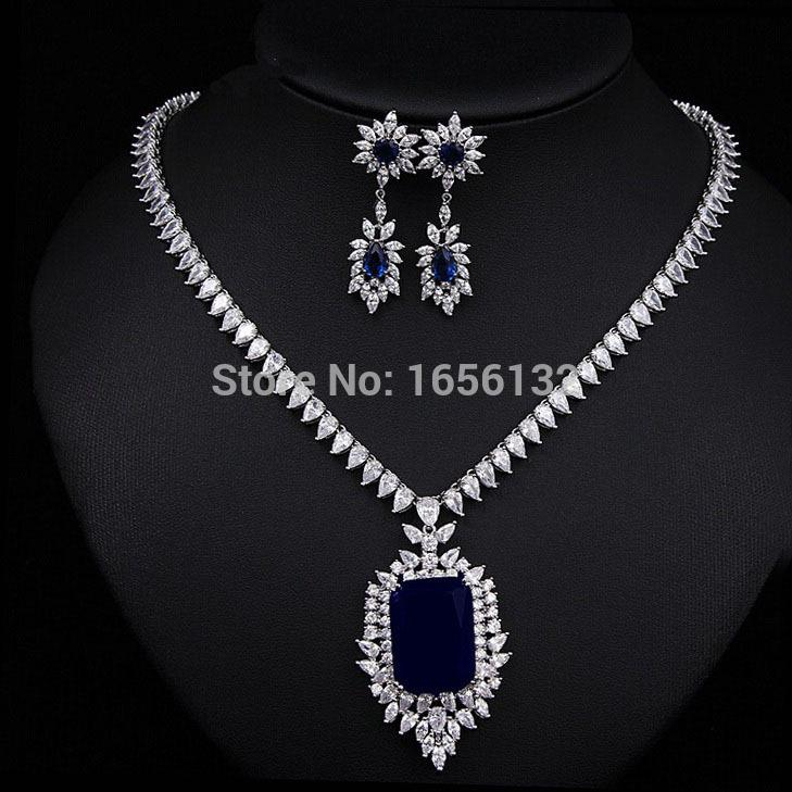 tarafinejewelrycom sapphire blue halo necklace gold pendant white diamond