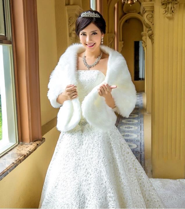 安く2021新しいデザインの白いウェディングラップ美しいラップの結婚式のブライダル特別な日ショール