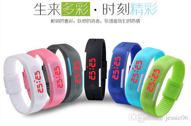2015 Fashion LED Watch Smart Touch Screen in gomma plastica ragazzi ragazze uomini Donne sprots Orologi digitali ultralong bracciali regalo di Natale