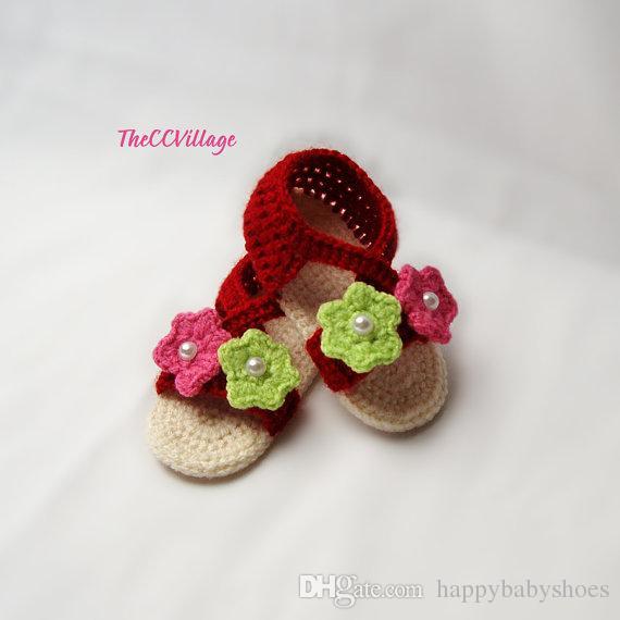 Zapatos rojos oscuros del bebé, zapatos de bebé del ganchillo, sandalias hechas a mano del bebé del ganchillo, con las flores rosadas y verdes 0-12M personalizado