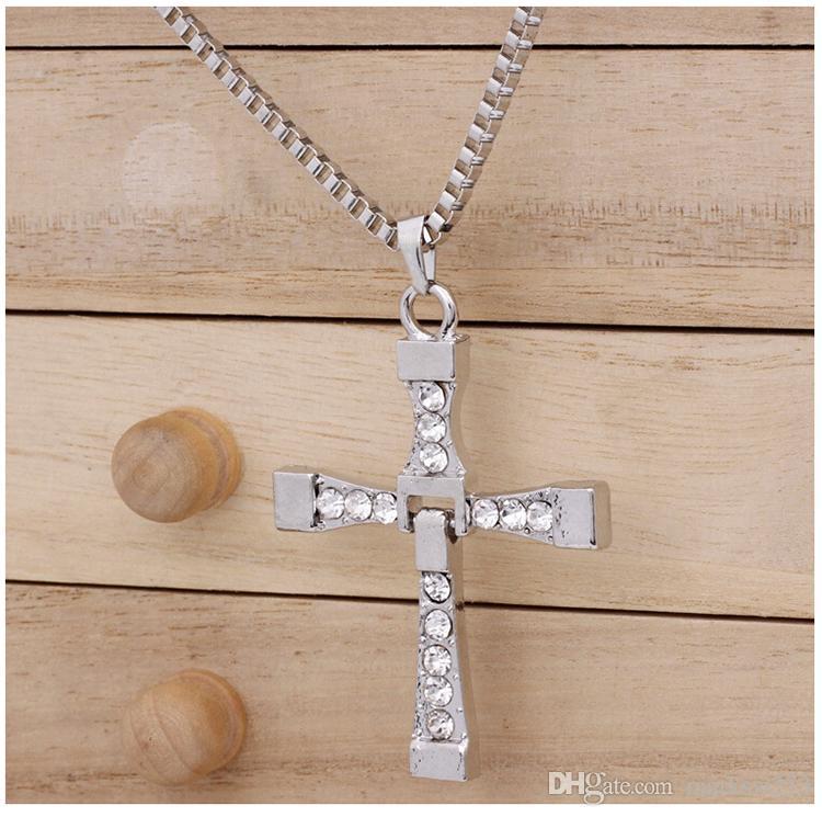 Legierungs-Diamant SCHNELL und FURIOUS Dominic Toretto-Kreuz-hängende Halskette mit 60CM Ketten-Männer Kristall-Qualitäts-Goldsilberüberzogene Halskette