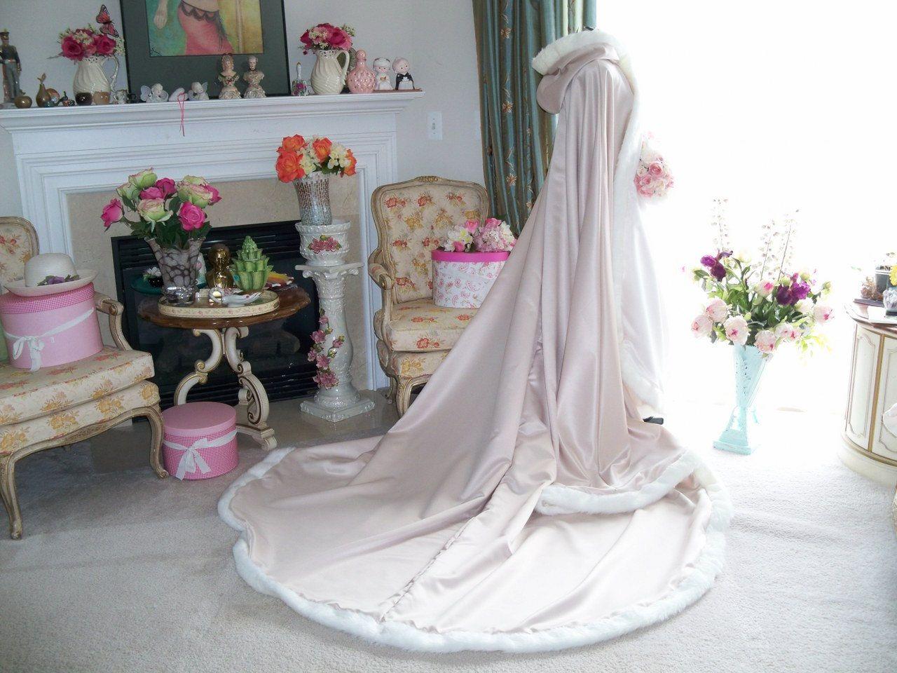Uyku Güzellik Gelin Pelerin Düğün Pelerin Şampanya / Fildişi Saten 96 inç Düğün Sarar Kış Döner Pelerin Pelerin Noel Kapüşonlu Pelerin