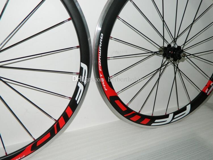 أحمر أبيض الشارات 700C ألياف الكربون دراجة عجلات FFWD الجبهة 38 ملليمتر والخلف 50 ملليمتر الفاصلة العجلات