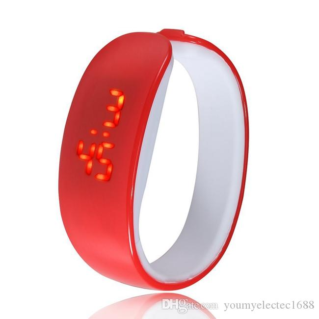 Fashion Cartoon Dolphin LED Electronics Men Sports Women Bracelet Wristwatch Digital LED Girl Digital-watch Wrist Watch