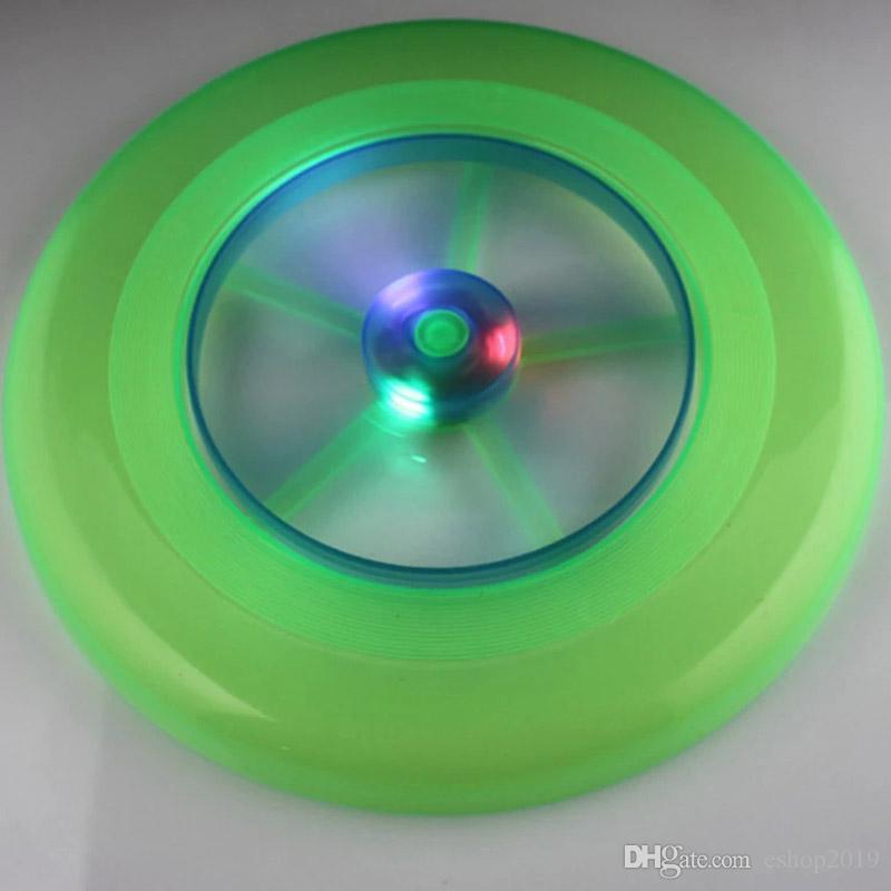 Nouveau Speical Coloré Mode Spin Hot LED Lumière Magique Jouet En Plein Air Flying Soucoupe Disque Frisbee UFO Kid Jouet