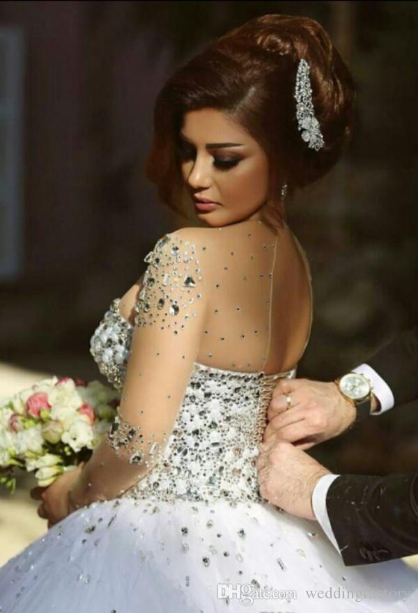 シアークルーネックビーズソフトチュールアラビアプラスサイズのガウンを持つ長袖コルセットブライダルガウンの豪華なクリスタルのウェディングドレス