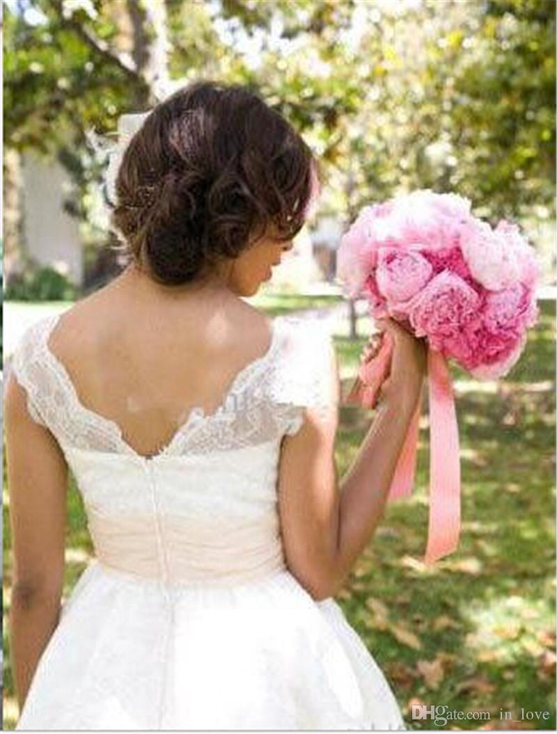 Neue Kommende Kurze Brautkleider V-Ausschnitt A Line Lace Brautkleider W1497 Flügelärmeln Low Back Tee Länge Romantische Schärpe Handgemachte Applikationen