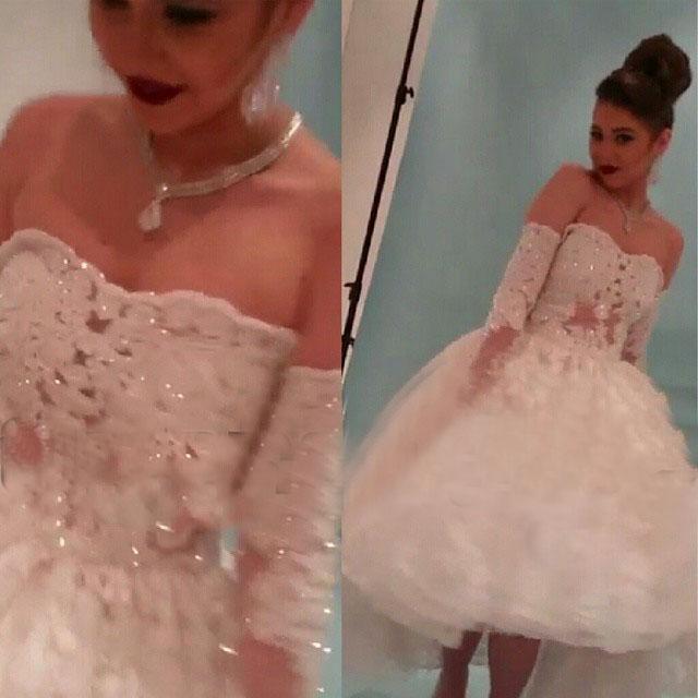 2015 Bollklänning Kort bröllopsklänning av axel Sweetheart Lace Appliques Sparking Beading / Sequins 1/2 Ärm Tea Längd Bridal Dress Dhyz 0