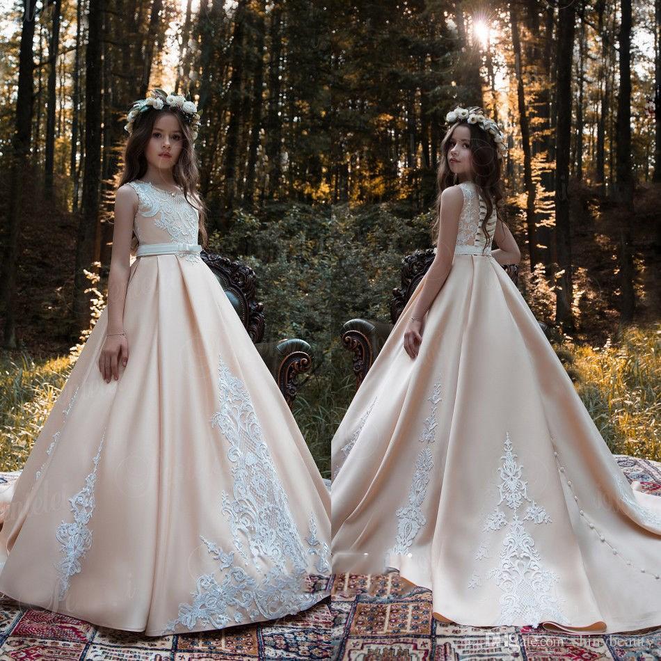 Jewel Saten Şampanya Aplikler Dantel Sweep Tren Yay Düğmeleri Güzel Zarif Düğün Çiçek Kız Elbise Resmi