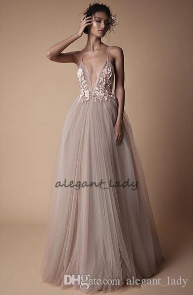 2018 Modest Spaghetti Holiday Party Prom Dresses with 3D Lace Floral Sweep Train Tulle Low Back Berta Evening Wear Dress Cheap