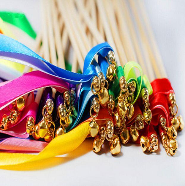 Красочные волшебная палочка Фея Лента свадьба Лента палочки с колоколом вертя стример свадебные сувениры свадебные украшения партия поставки