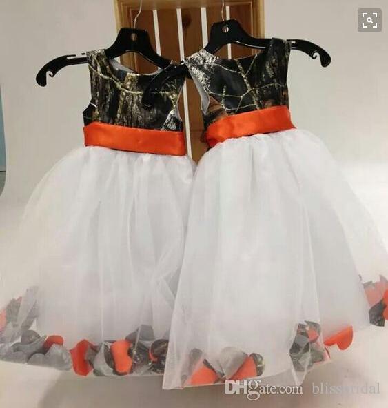 2016 Pays Orange Ruban Sash Camo Fleur Fille Robes Avec Organza Blanc Enfants Formelle Robes De Fête De Sol Longueur