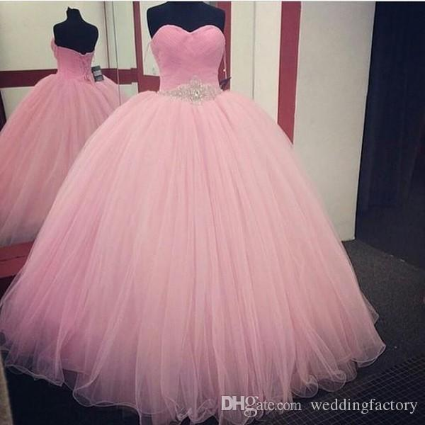 Op maat gemaakte hoge kwaliteit roze quinceanera jurken ruches sweetheart kristallen kralen vloer lengte tule puffy prom jurken plus size veter