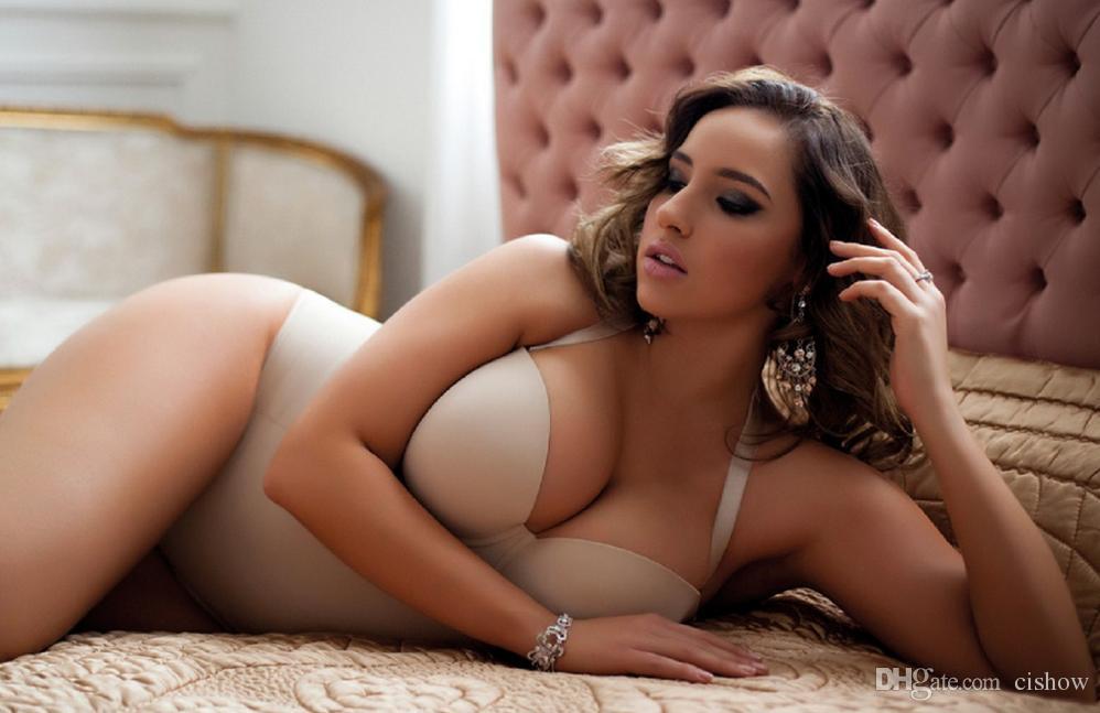 Plump Sexy Woman 29