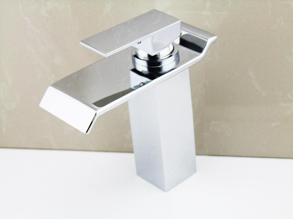 Acquista rubinetto lavabo miscelatore lh del bacino del