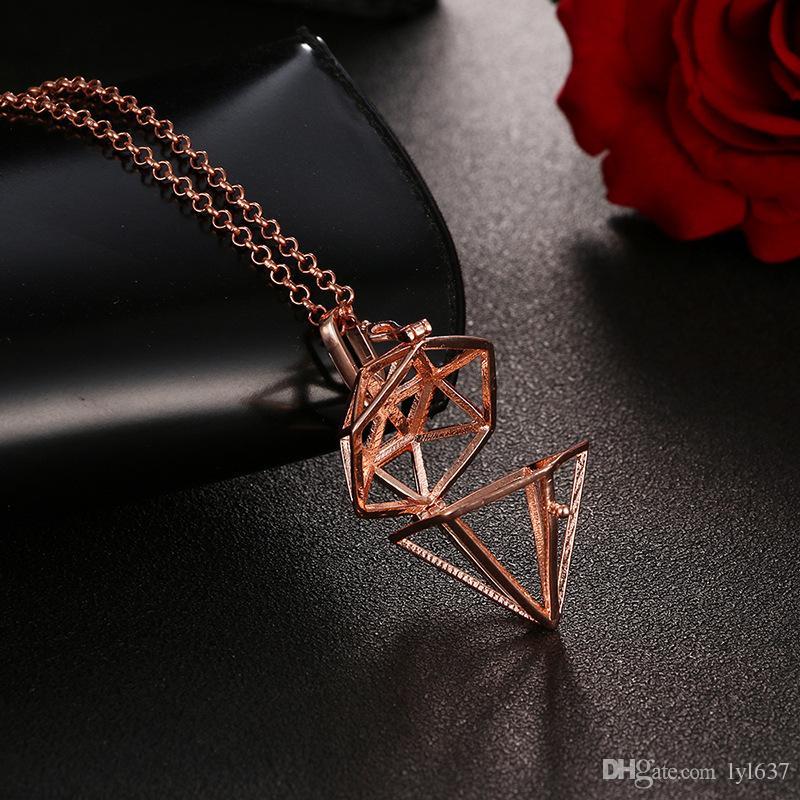 Medaglioni a forma di diamante geometrici a forma di diamante di aromaterapia cavi pendenti medaglioni donne gioielli in lega pendente in metallo moda lega 2018
