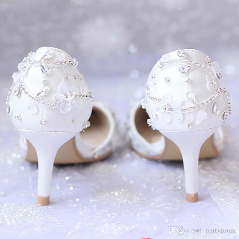 New Arrived White Flower Wedding Shoes For Bride Crystal Pointed Toe Sexy Kitten Heel Women Prom Party Shoes Women Shoes Pumps