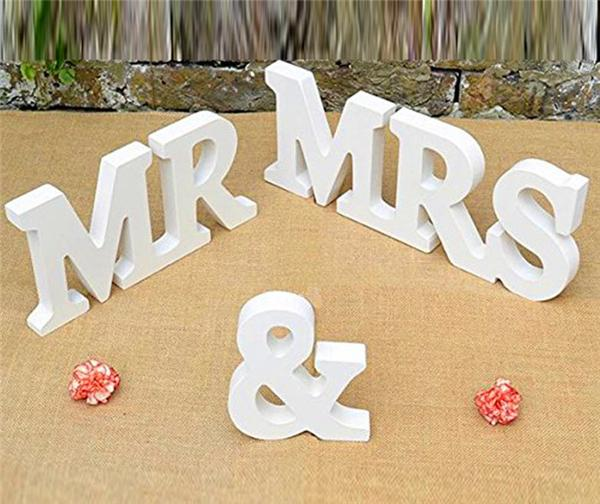 Wooden Wedding Sign Photography Props Wedding DecorPersonalised Mr & Mrs + Custom Name MDF Wooden Standing Plaques Signs Wedding Supplies