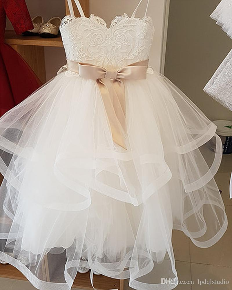 Romantic Flower Girls Dresses Ivory Soft Tulle with lace Applique Floor Length Girls Party Dresses Custom Made New Arrival Real Picture