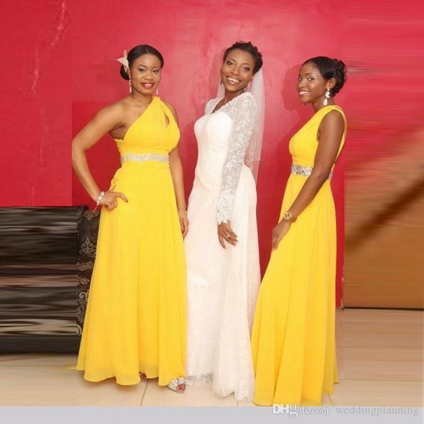 أفضل 2015 فستان أشبينة صفراء مثير مع وشاح الظهر طويل القماش طويل القماش مطلي بالعربية على غرار دبي فستان حفلة موسيقية 2016