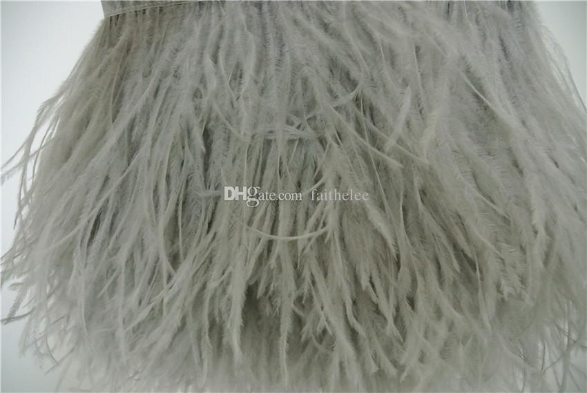 Livraison gratuite 10 yards / 1 couche légère plume graydark gris plume d'autruche frange garniture sur Satin Header 5- 6inch 12-15cm de largeur pointe à pointe
