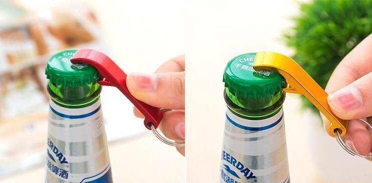 Hotsale çok fonksiyonlu renkli taşınabilir mini alüminyum alaşımlı bira şişe açacağı anahtarlık halkası konserve açacakları promosyon hediye