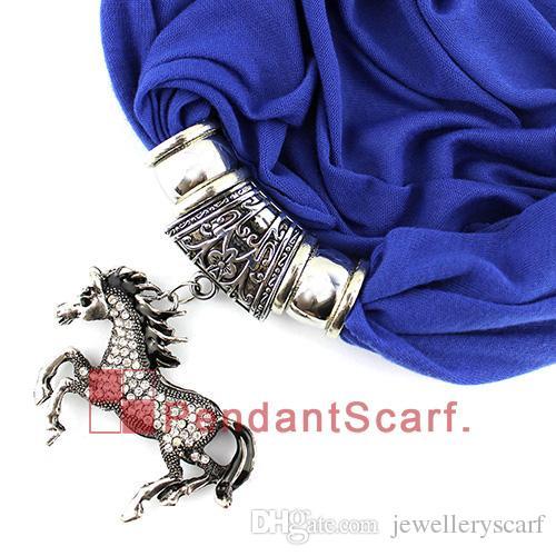 Nuevo Diseño Rhinestone Joyería Del Caballo Colgante Bufanda Moda Mujeres Perlas Borla Collar Suave Bufanda es Disponibles, Envío Gratis, SC0044