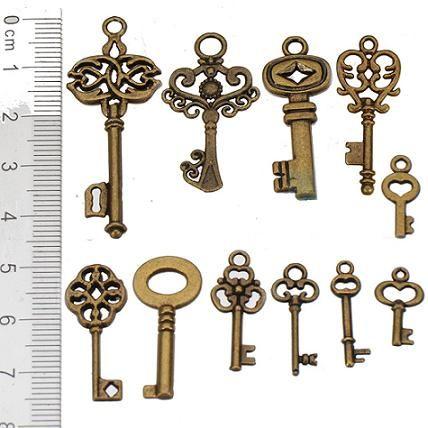 Charms fai da te gioielli fare donna uomo collane pendenti chiavi d'oro antico lucky clover metallo moda gioielli componenti 40 * 12mm 200 pz