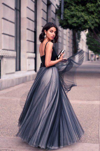Formal Black Tulle Elegant Evening Dresses Satin Spaghetti Straps V Neck Vintage Long Cut Out Prom Party Dresses Custom Made Women Gowns