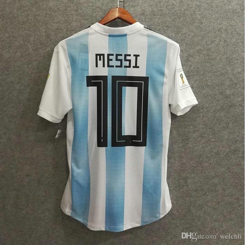 d078a7c5c1 Compre Perfeito 2018 Argentina Camisa De Futebol Versão Jogador De Casa  Autêntica Nome Personalizado Messi 10 Aguero 9 Di Maria 11 Camisas De  Futebol AAA ...