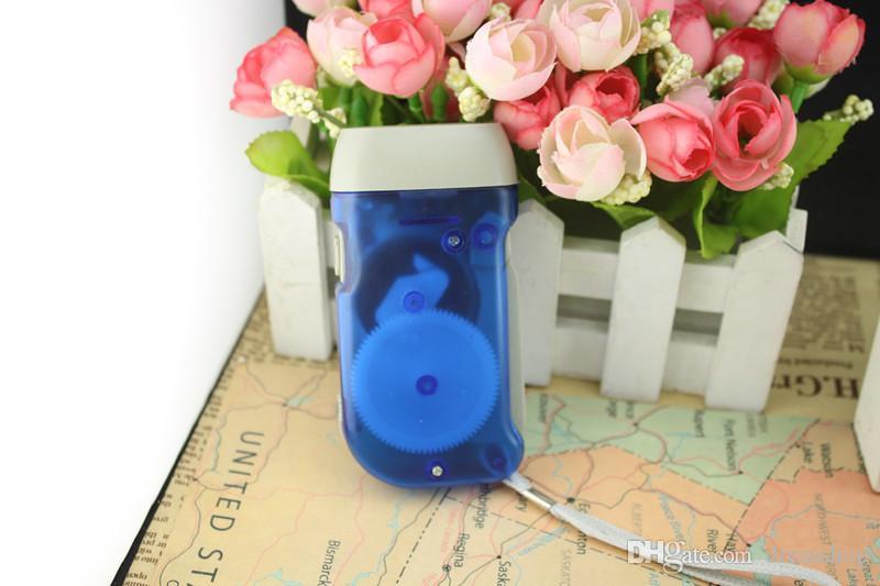 Lanterna mini mini mão mini pressão auto-carregamento lanterna gerador de manivela familiar produzido tecnologia