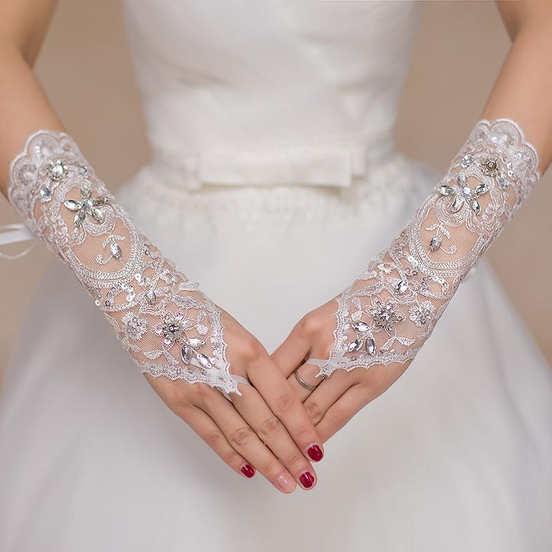 2017 Incredibile Paillettes guanti Da Sposa Senza dita Da Polso Lenth Con perline Crsytal Fiore luvas de noiva Breve wemen Guanti Accessori Da Sposa