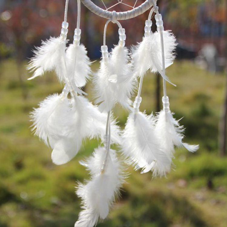 الهند نمط اليدوية حلم الماسك الأبيض التعميم مع الريش شنقا زخرفة زخرفة الحرف هدية ، الهندباء