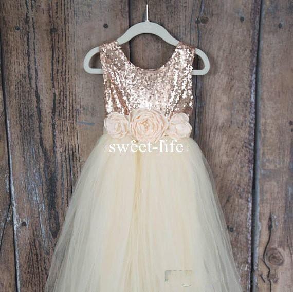 Sweety 2019 Bir çizgi Çiçek Kız Elbise Jewel kolsuz Gül Altın Sequins En Tül Katmanlı Etekler Kat-uzunluk Custom Made Communion Elbise
