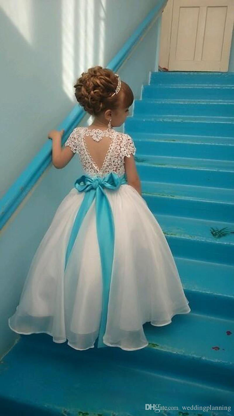 Robes de filles de fleurs de la dentelle sans dos pour les manches de nœud de mariage girl girl fête fête de Noël communion robes de soirée enfants robes