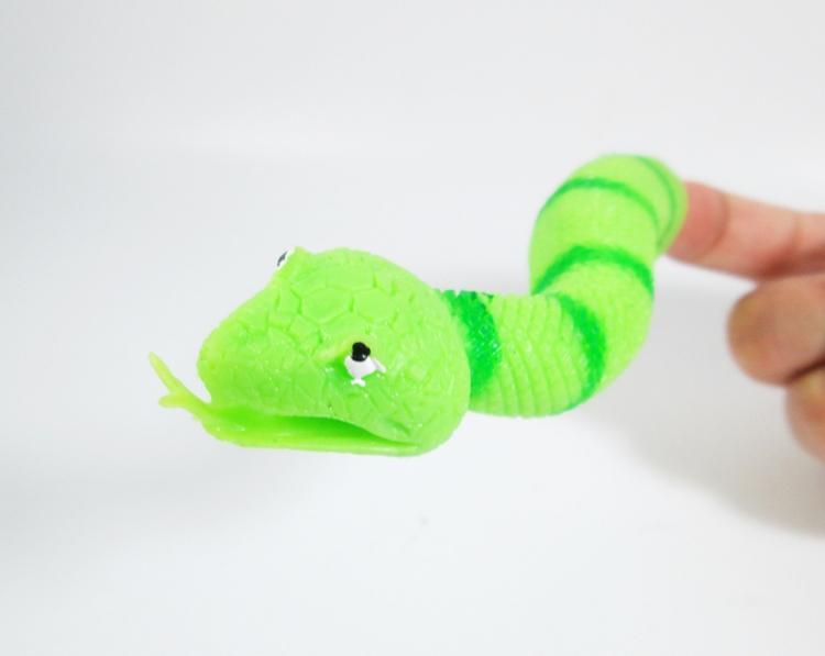 Nouvelle arrivée / lotTrès novatrice TPR Le Marionnette à Doigts de Serpent Jouets Jouets drôles pour le cadeau de fête d'Halloween