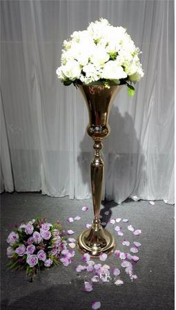 Düğün dekorasyon için düğün altın dekoratif çiçek vazo merkezinde