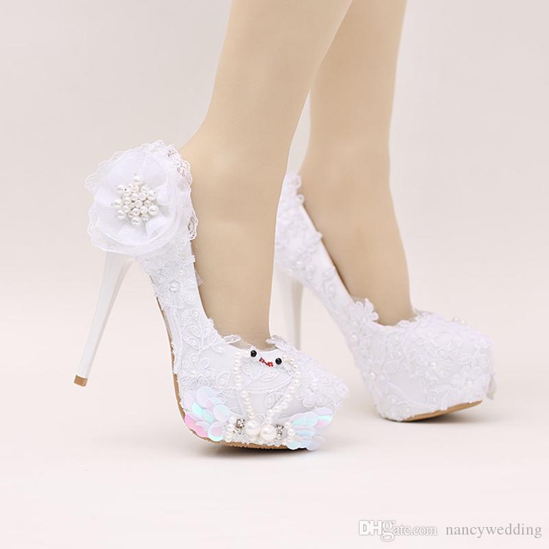e93b45666 Sandalias Da Moda Sapatos De Noiva Branco Cor Glitter Sapatos De Festa De  Casamento Bonito Flor De Renda De Casamento De Salto Alto Da Festa De  Aniversário ...